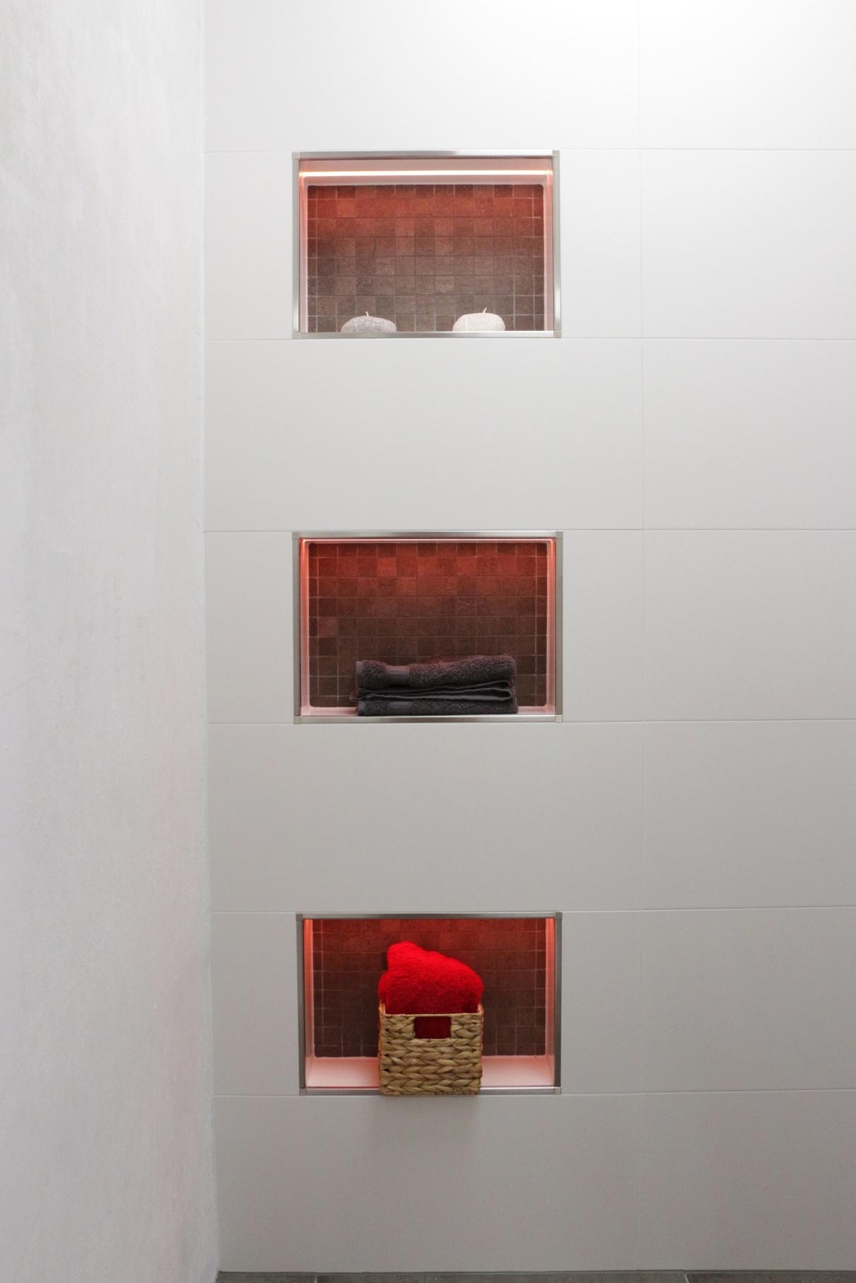 liprotec akzente setzen und lebensr ume gestalten. Black Bedroom Furniture Sets. Home Design Ideas
