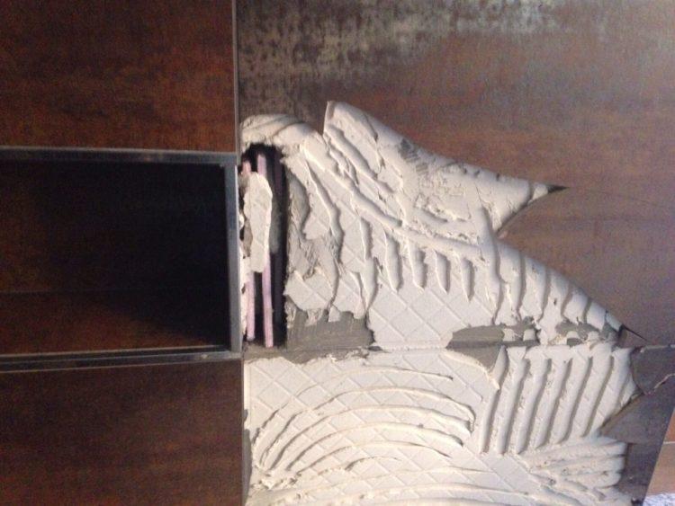 fliesenkleber entfernen so geht s ganz leicht franke raumwert. Black Bedroom Furniture Sets. Home Design Ideas