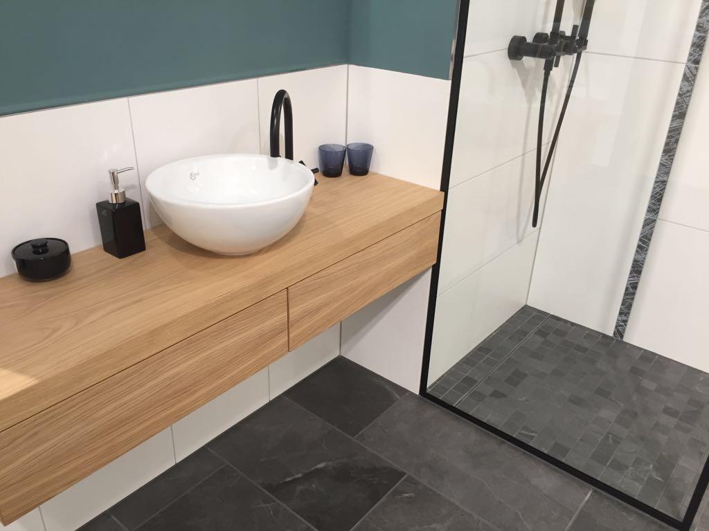 waschbecken montieren latest schritt with waschbecken. Black Bedroom Furniture Sets. Home Design Ideas
