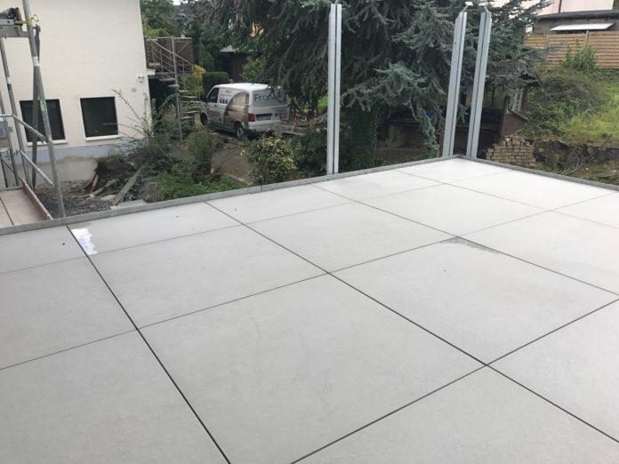 Terrasse mit Slate Grey
