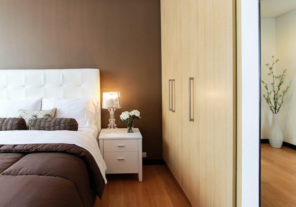 Schlafzimmer Braun
